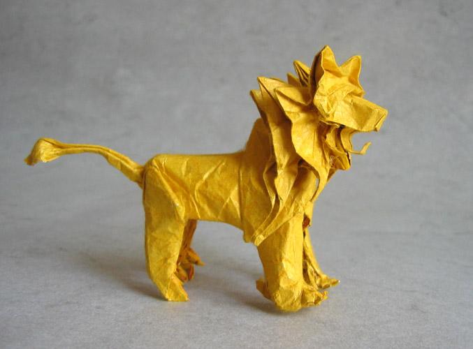 46. origami_kiri.  Собрал из А4.Только что-то не так...Наверно из-за материала(одна сторона-бумага,другая-фольга).